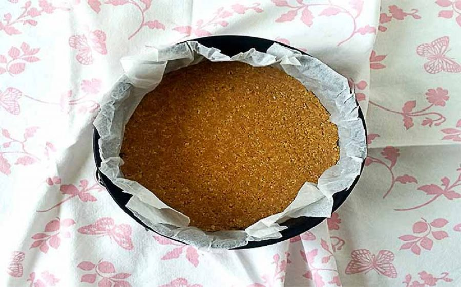 Ricetta Cheesecake cruda alle fragole