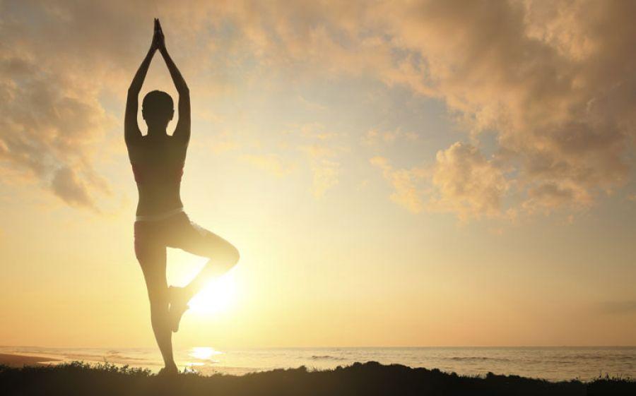 Gli atteggiamenti delle Asana nello Yoga: dalla sala di pratica alla vita quotidiana