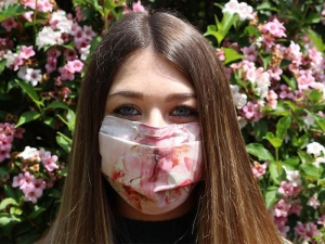 La mascherina d'arte che diventa solidale: Mask-In for Elisabetta Rogai