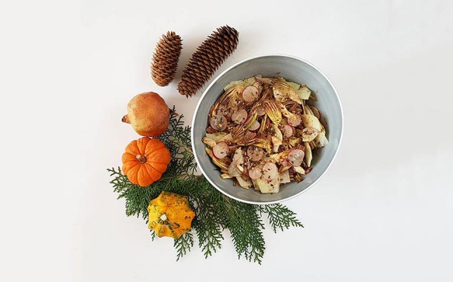 Insalata invernale con carciofi, ravanelli, parmigiano e gomasio