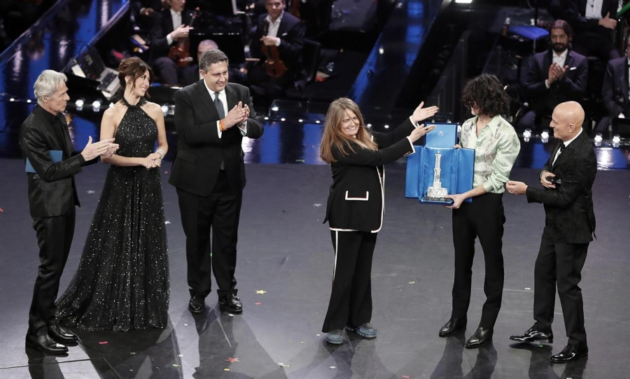Sanremo 2019: nella serata dei duetti vince Motta tra i fischi del pubblico