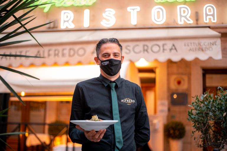 Alfredo Alla Scrofa inaugura Piazzetta Alfredo