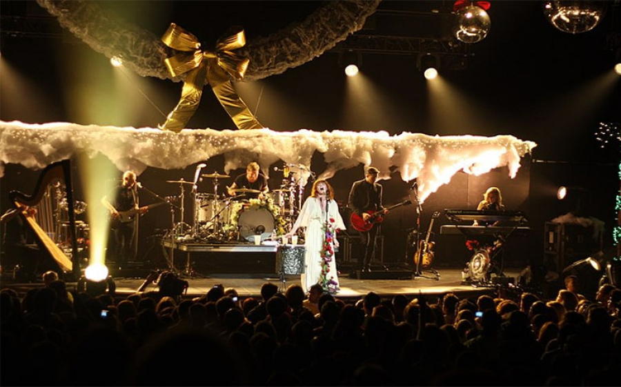Florence + the machine incanta il Pala Alpi tour di Torino