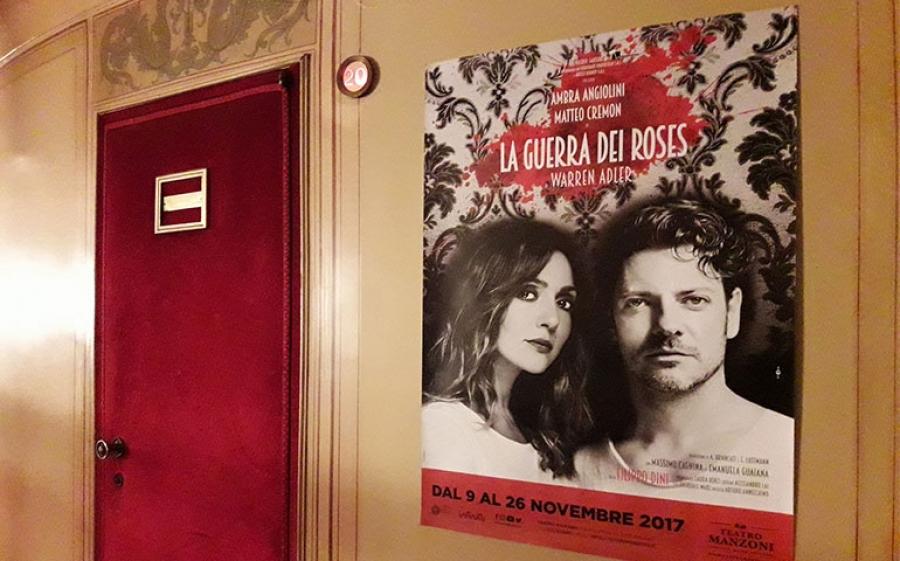 Al Teatro Manzoni di Milano scoppia La guerra dei Roses: la commedia che dà vita a un grande amore