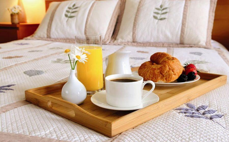 Colazione a Letto: un ricettario di coccole mattutine