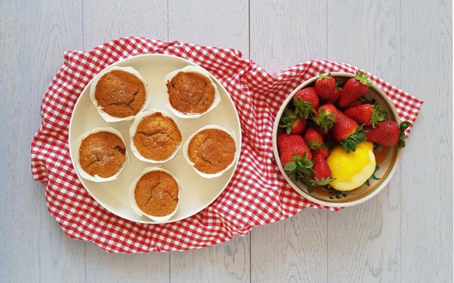 Muffins con fragole, limone e yogurt