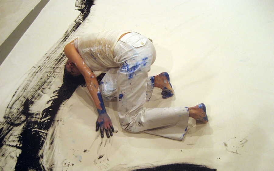 Pittura con il corpo: tra performance, happening e body painting