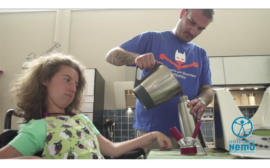"""""""Aggiungi un posto a tavola"""": il centro clinico NeMO informa sulla disfagia"""