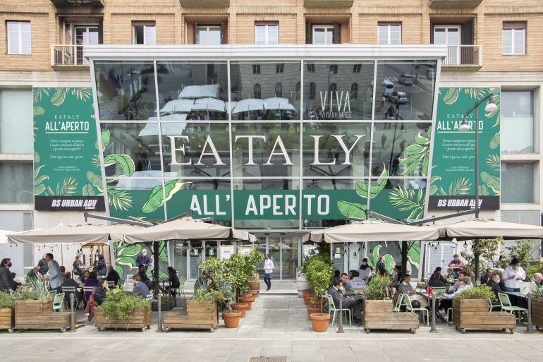 """""""Eataly presenta: Illustri all'aperto"""": 4 illustratori che cambieranno il volto di piazza XXV Aprile a Milano"""