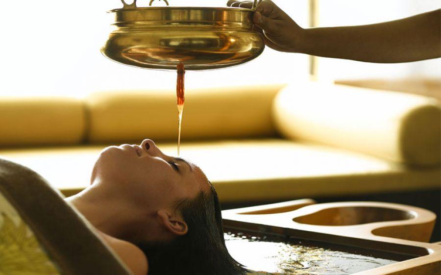 SHIRODARA: l'olio caldo del benessere