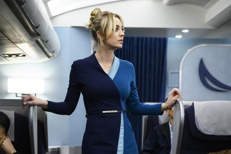 Esce oggi su Sky L'assistente di volo, la nuova serie tra thriller, comedy e spy story con Kaley Cuoco